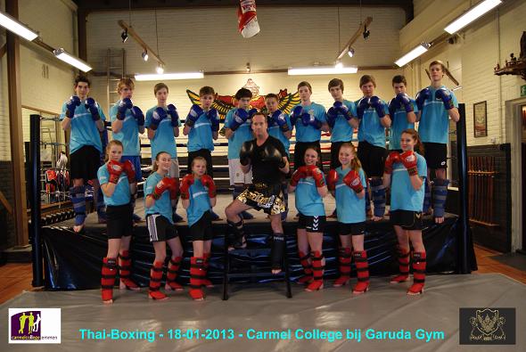 DSC02079 - Groepsfoto Carmel College - 18012013 - bewerkt